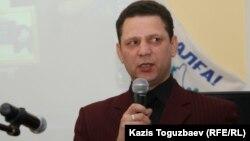 Председатель общественного комитета по правам человека Игорь Колов. Алматы, 19 января 2011 года.