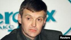 Ресей федералдық қауіпсіздік қызметінің бұрынғы офицері Александр Литвиненко. Мәскеу, 17 қараша 1998 жыл.