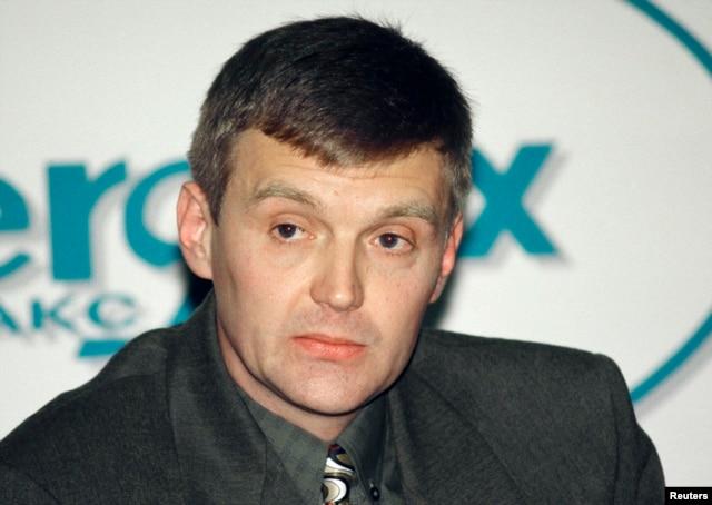 Александр Литвиненко в 1998 году