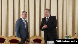 Рік тому Анатолія Ковальчука (ліворуч) представив рівнянам тодішній перший заступник