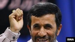احمدی نژاد با توصیف کردن اسراییل به عنوان«رژیم صهونیستی» گفت که این کشور «پرچمدار تجاوز و اشغال است».