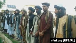 Группа талибов, которая присоединилась к правительству Афганистана в провинции Фарьяб. 30 июня 2016 года.