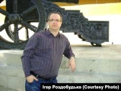 Автор статті біля Мазепиної гармати. 2014 рік