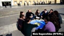 Члены грузинского правительства никак не отреагировали на акцию-перфоманс гражданских активистов