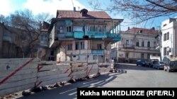 Более чем в 1700 домов в исторической части грузинской столицы, которые являются объектами культурно-исторического наследия, вдохнут новую жизнь. Правда, перед этим будет проведена скрупулезная и объемная работа