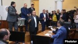 Armenia - Vanadzor's municipal council elects the new city mayor amid controversy, 10Oct2016.