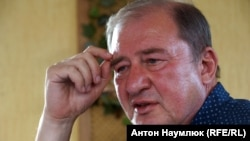 Crimean Tatar activist Ilmi Umerov (file photo)