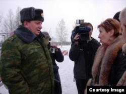Элла Полякова в воинской части