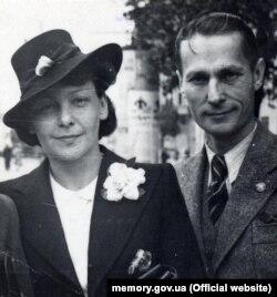 Олена і Михайло Теліги. Краків, 1939 рік