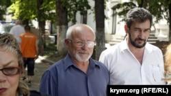 Члены Меджлиса крымскотатарского народа Шевкет Кайбуллаев и Заир Смедляев