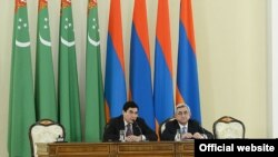 Armenia -- Armenian and Turkmen Presidents at a joint press conference. Yerevan, 29Nov2012