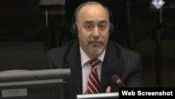 Richard Butler na suđenju Ratku Mladiću, 3. rujan 2013.