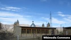Өзбекстандағы ауылдық жердегі мешіттердің бірі (Көрнекі сурет).