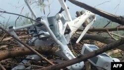 Pamje e një aeroplani pa ekuipazh për të cilin Pakistani thotë se e ka rrëzuar në Kashmir dhe është i Indisë