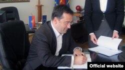 Градоначалникот на Велес Горан Петров.