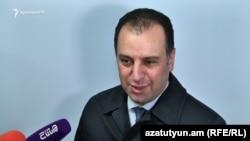 Armenia - Defense Minister Vigen Sargsian speaks to reporters in Yerevan, 31Oct2017.