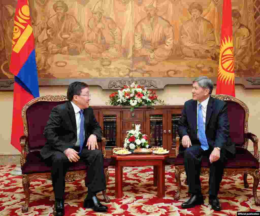 Кыргызстан и Монголия подписали ряд соглашений по сотрудничеству в сельском хозяйстве, торгово-экономической сфере и вопросах безопасности.