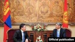 Кыргызстандын президенти Монголиянын лидери менен, 3-апрель, 2012-жыл