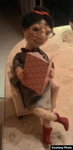 Еще одно увлечение Александры - игрушки из шерсти