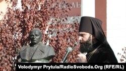 Kiyev patriarhatı Qırım ukrain pravoslav kilsesi ve Aqmescitniñ arhiyepiskopı