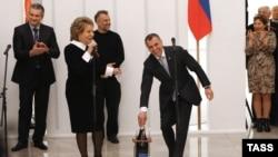 Слева направо: Сергей Аксенов, Валентина Матвиенко, Алексей Чалый и Владимир Константинов