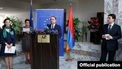 Овик Абрамян принимает участие в церемонии «Золотой ключ и Ржавый замок», Ереван, 25 сентября 2014 г․