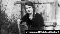 Жіноча сила. 10 історій українських підпільниць у фотографіях