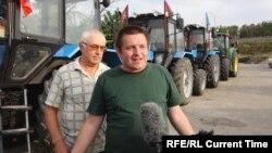 """Один из организаторов """"тракторного марша"""" Алексей Волченко"""