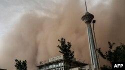 توفان روز دوشنبه در تهران پنج قربانی گرفته است
