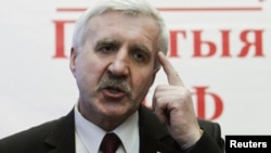 Belarusyň prezidentligine kandidat bolan oppozisioner Grigoriý Kostusew.