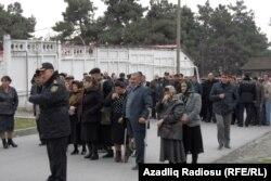 Məhbusların yaxınları məhkəmə qarşısında - 17 mart 2014