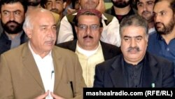 کوټه: د بلوچستان تلونکې وزیر اعلا ډاکټر مالک بلوڅ او راتلونکې وزیر اعلا نواب ثناءالله زهري