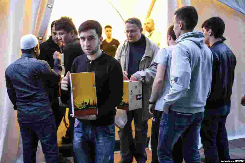 Кейбір мәліметтерге қарағанда, татар-липкалар саны 11 мың адамнан асады. Олардың жеті мыңдайы Беларусьте тұрады.