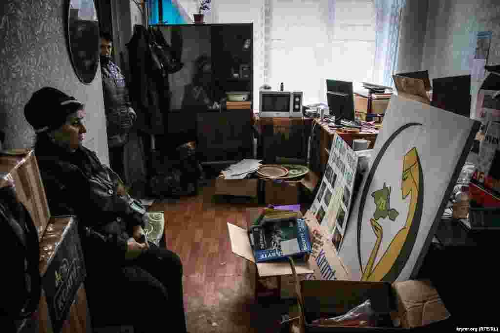 «Лігу кримськотатарських жінок» виселяють з офісу, 26 грудня 2015 року