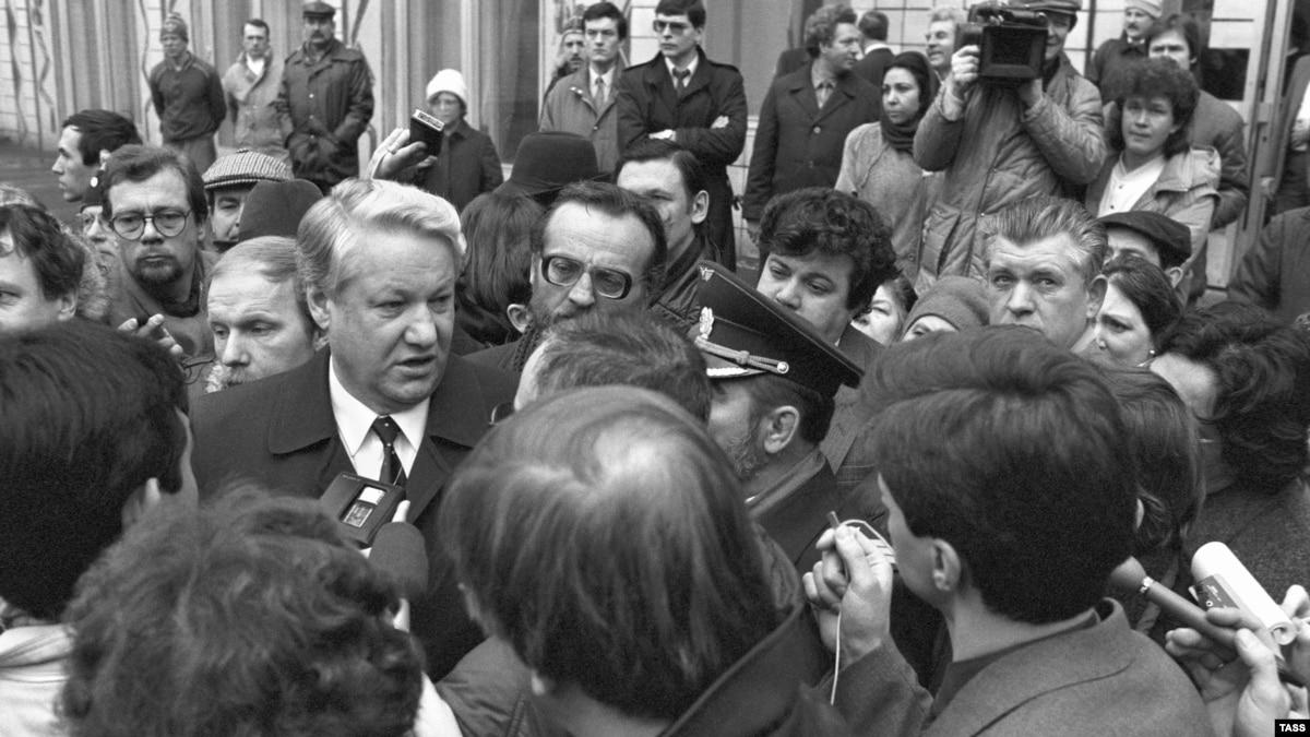 В 1989 году волна революций охватила Восточную Европу. А что происходило в столице СССР?