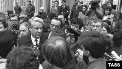 Борис Ельцин, 1986-ой год