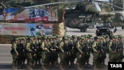 Российские военнослужащие на военной базе Хмеймим в Сирии