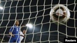 Италия пропускает третий мяч в свои ворота
