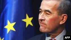 Гражданам Сербии рекомендовано не контактировать с представителями миссии Eulex, которой руководит Ив де Кермабон