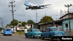 Avion američkog predsednika sleće u Havanu