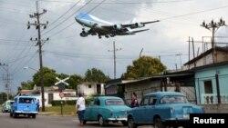 Let aviona iznad Havane, fotoarhiv
