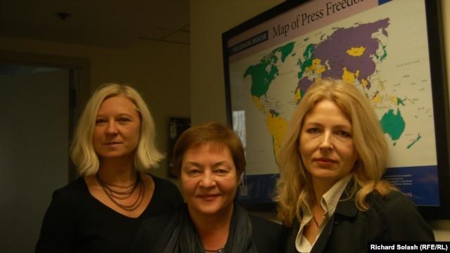 Belarusian activists (left to right) Tatsiana Reviaka, Zhanna Litvina, and Natalya Pinchuk at the Washington office of Freedom House.