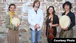 Македонскиот музички бенд Келтикум.