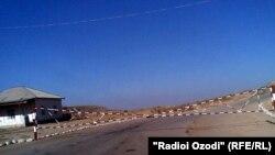 Tajikistan,Kulob region,army checkpoint in Tajik-afghan border in Shuroobod district,20Sep2011