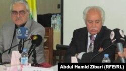 مشاركان في ندوة (قضايا التسامح والعنف، واللاعنف، والارهاب الدولي)