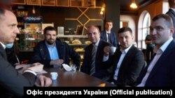 Президент України Володимир Зеленський в кафе, Хмельницький, 3 червня 2020 року