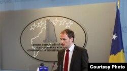 косовскиот заменик министер за надворешни работи Петрит Селими