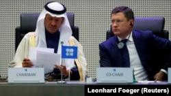 Səudiyyənin enerji naziri şahzadə Abdulaziz bin Salman Al-Saud (solda) və Rusiyanın enerji naziri Aleksandr Novak