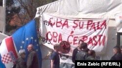Parole kod šatora ispred Ministarstva branitelja, foto: Enis Zebić