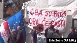Branitelji na protestu u Savskoj u Zagrebu